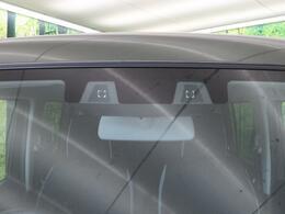 ☆セーフティサポート☆2つのステレオカメラで前方の歩行者や車を検知。衝突軽減ブレーキや誤発進抑制、車線逸脱警報、ハイビームアシストなどのサポートで万一の事故を予防するシステムです♪