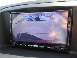 バックカメラも装備!駐車しにくいところでもモニターが付いていれば楽々駐車可能ですね!
