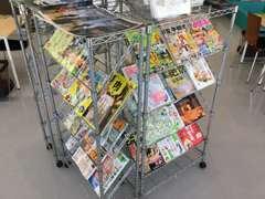 新しい雑誌を豊富に揃えておりますので、空いたお時間も快適にお過ごし頂けます!ゆっくりおくつろぎ下さい☆