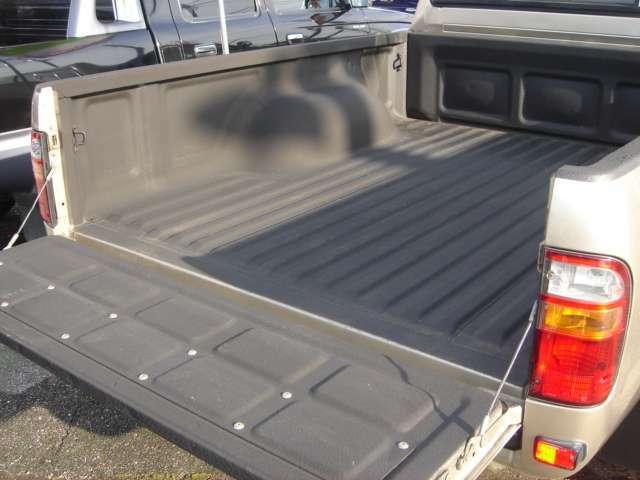 Aプラン画像:荷台部分の防錆等保護するための加工です。サビの原因となる「荷台の荷物等の積み降ろし時に受ける衝撃」などから車輌を守ります。荷台を酷使するピックアップの車にはオススメです
