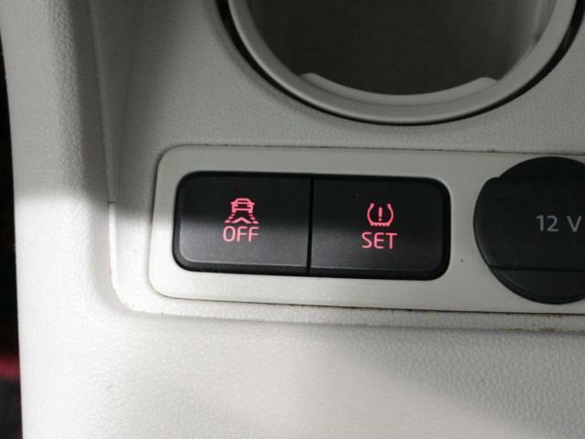 タイヤ空気圧警告灯装備!