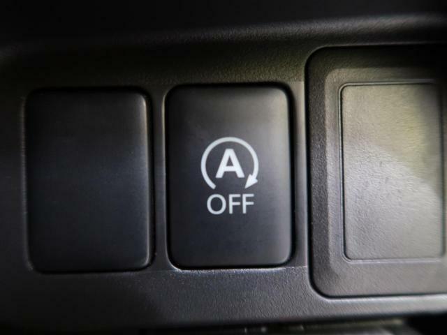 アイドリングストップ『停車時にブレーキを踏むことでエンジンを停止し、燃費向上や環境保護につなげるという機能です♪』