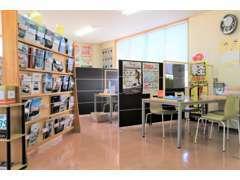 2階商談ルームにはカタログの他、キッズコーナーもあります