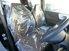 販売車両は、全車安心の保証付!また、納車前のクリーニングと整備には、自信を持っております。お気軽に店舗にお越しください!