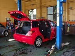 お客様のお車はまごころを込めて、しっかりと整備させて頂きます