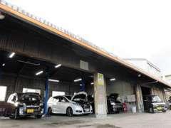 安心と信頼の日本自動車鑑定協会にて査定を依頼しております!認証自社整備工場を完備しており車検や修理などもお任せください!