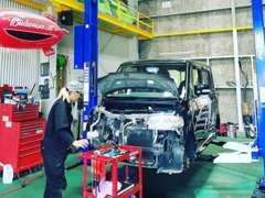 認証工場完備です。車検・板金など車の事なら何でもお任せください。他社のお見積もぜひお持ちください。