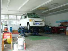 お車の販売はもちろんですが、修理や整備・点検等もお車のことならなんでもお気軽にご相談ください☆★