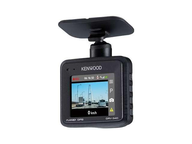 Bプラン画像:ドライブレコーダー装着でもしもの時も映像記録が残せますので安心ですね。コンパクトボディですが2・0インチ画面付で録画映像もその場で確認できます。