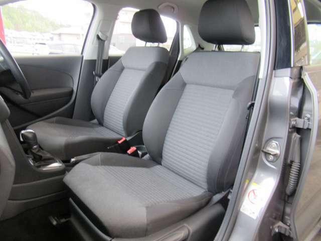 自慢のシート状態です。前オーナー様も丁寧に乗ってこられたお車です♪◆在庫移動もございますのでご来店の際は事前にご連絡をお願いします!