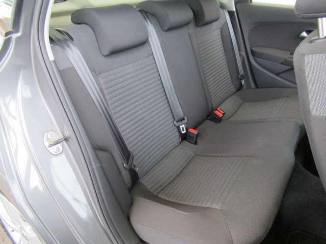 お煙草など、車内に気になる臭い等はございません。もちろん、お納車前にはしっかりとクリーニングも致しますのでご安心下さい!◆在庫移動もございますのでご来店の際は事前にご連絡をお願いします!