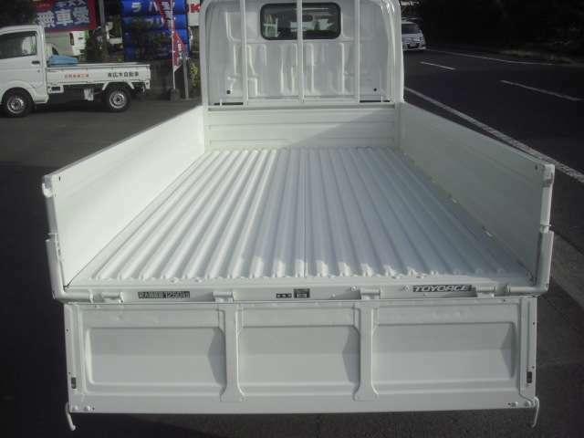 最大積載量1250kg 1.25トン 荷台内寸法 長さx幅x高さ 469x169x197cm