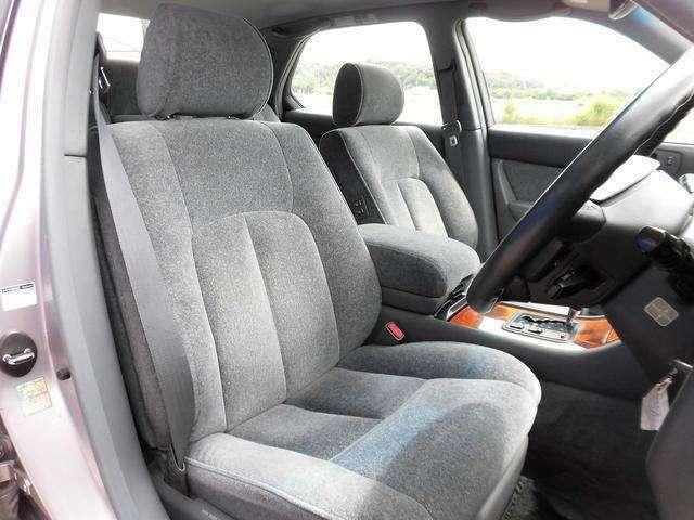 前席シートになります!当社では内装にとことん拘った車しか仕入れ販売しておりませんので当然キレイな状態です!グッドコンディションですよ!!