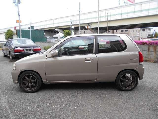 大阪府豊中市のGarage Friends(ガレージフレンズ)です!!お買い得な中古車を多数取り揃えております♪在庫車両に関してご不明な点などございましたら、お気軽にお問い合わせください!!