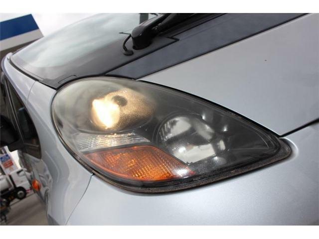 当店ではヘッドライトクリーニング&プロテクトを行っております♪ヘッドライトの見た目もキレイに、視界もしっかり明るくなるのでオススメですよ♪