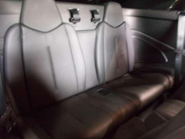 キセノンヘッドライト 純正18インチ ピレリ8分山以上 前後コーナーセンサー 黒革シート 電動シート シートヒーター クルーズコントロール