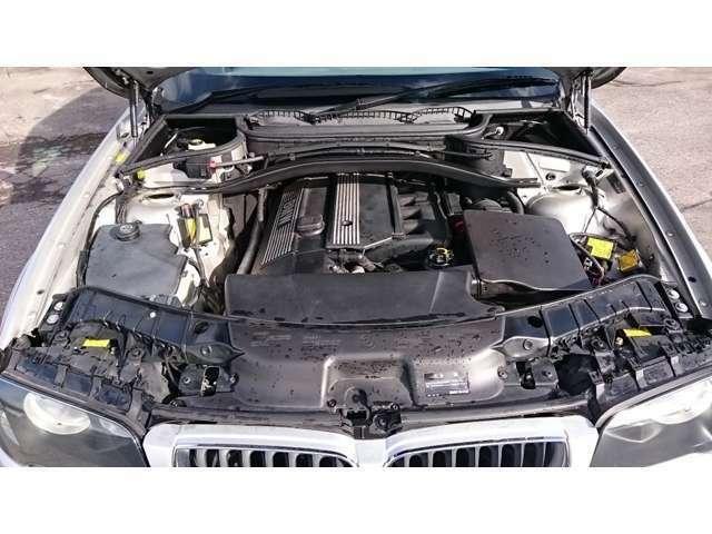 直列6気筒DOHC 3,000cc・タイミングチェーン式のエンジンです☆^^!☆
