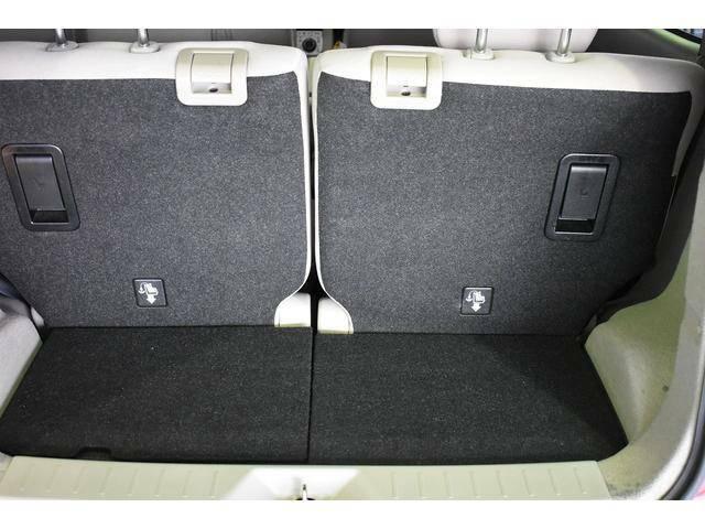 荷物室ドアは開口部も広く荷物の載せ降ろしも楽々です