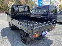 【 4WD ・ 5速ミッション ・ ブラック軽トラ人気モデル 】 ★ 登録済み車! スマアシ3の安全装備付きです! ※ 走行30キロの商品になります!!  ★ 荷台に少し線キズあります。