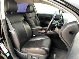 ●黒本革エアシート フロントシートは目立つキズや汚れなども少なくキレイな状態となっております♪