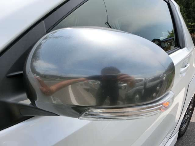 安全性の向上とドレスアップ効果もあるウィンカー付きドアミラーです!
