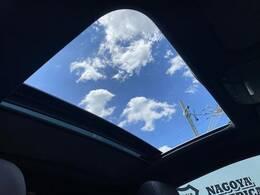 希少サンルーフ装備しております!開放感があり、空気の入れ替えや夜空を見たりとロマンティックな空間を演出できます!