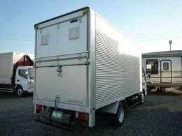 最大積載量2000Kg 車両総重量5455Kg 車体寸法 全長625cm 幅188cm 高さ294cm