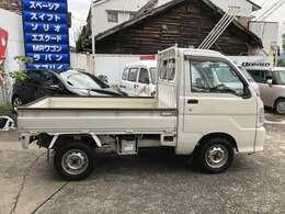 右ドアミラー有ります。付けます。車検整備付で支払総額19.9万円 エアコン付 5速マニュアル