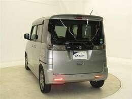 存在感あふれるデザインと、低燃費で力強い走りを特長とするハイトワゴンタイプの軽乗用車・スペーシア!