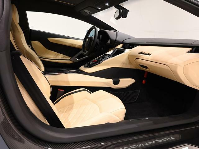コンディションは新車同然といっても過言ではありません。下ろしたての雰囲気が十分に感じられます。