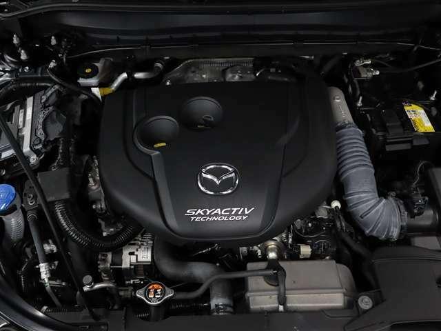 スカイアクティブ  ディーゼル・低圧縮比により、従来比約20%の燃費改善・高価なNOx後処理なしで日欧の排出ガス規制をクリア(欧州:Euro6、日本:ポスト新長期規制)