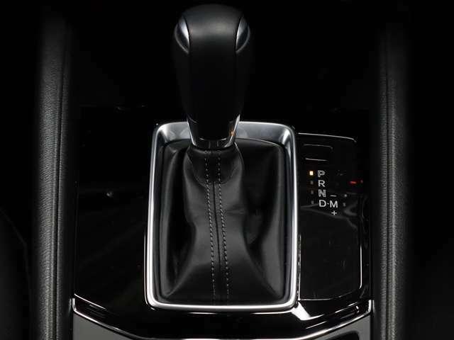 SKYACTIV-DRIVE はステップATをベースに、「燃費の良さ」、「ダイレクト感」、「なめらかな変速」を徹底的に追求することで、全てのタイプのトランスミッションの利点を集約した理想のATを目指しました。