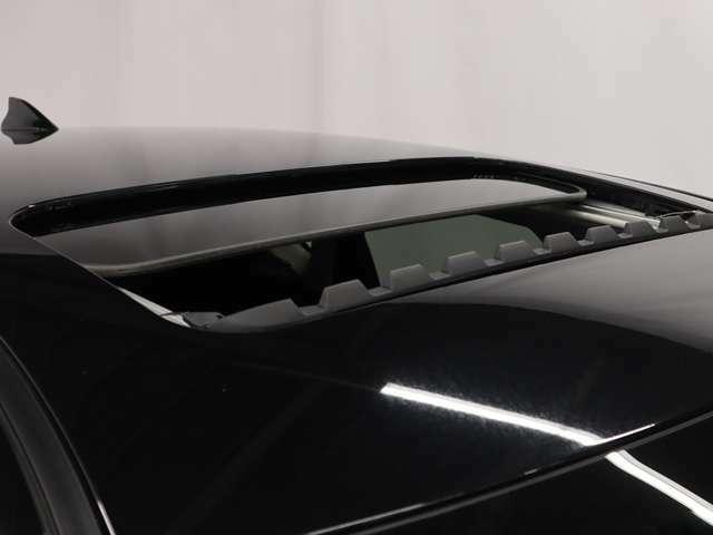 電動SR希少な電動ガラスサンルーフ付きCX-5XDです。手軽にオープン感覚が楽しめます。