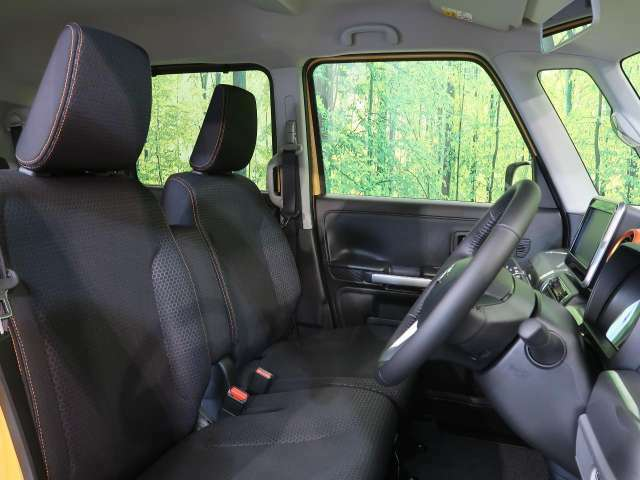 高級感のある「ブラックファブリックシート」!!さらにベンチシート☆高級感ある内装で優雅にドライブをお楽しみいただけることでしょう♪