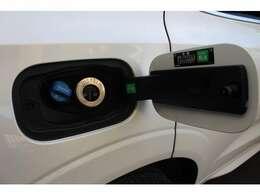 最新のアドブルーを採用したクリーンディーゼル。V8に匹敵するトルクと経済性を両立しています。