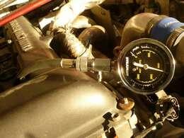 エンジン暖機後圧縮測りました。油音水温上がってます。1番のコンプレッションです。先ずはお電話・ご来店下さい!!06-6863-2686