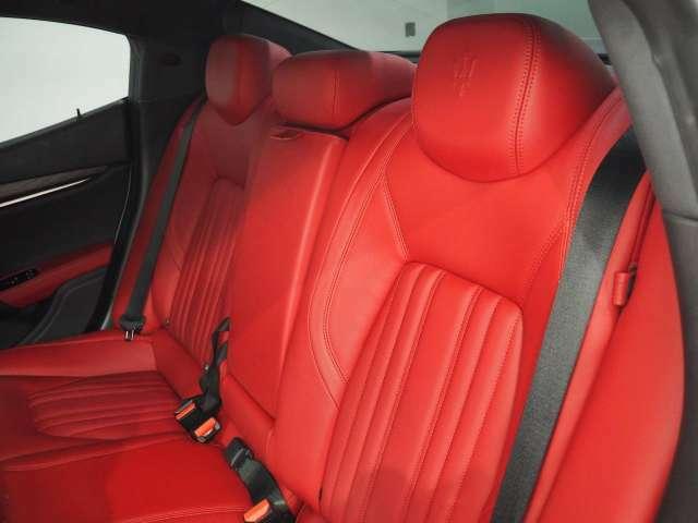 抗菌・防臭・防汚に最適なインテリアコーティングが施工可能。高分子被膜が長期的に車内を抗菌し続けクリーンな状態を保つことが出来ます。