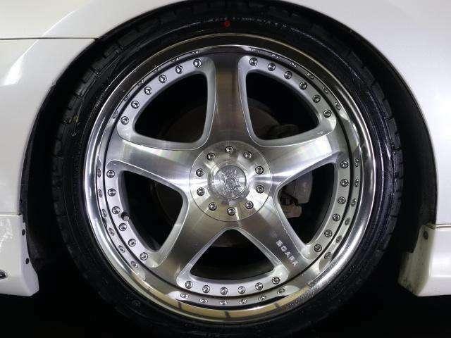 とても高価な、ジャンクションプロデュース スカラー 19インチAW☆ サイズは245-35-19です☆ 新品タイヤを組替えました☆ 28インチ対応タイヤチェンジャー&バランサー完備☆ 大口径もお任せ☆