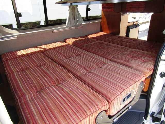 ベット展開ももちろん可能です!大人3名様の就寝スペースです♪