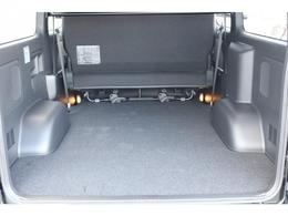 バンなので、荷室スペースをがっつりお使いいただけます!