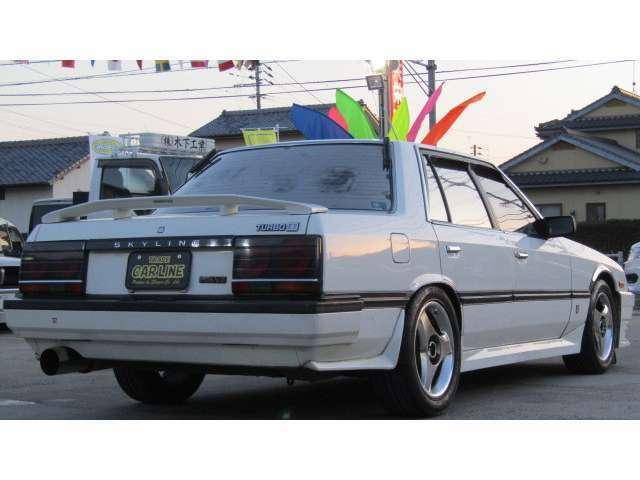 磨きのプロが更にお車をピカピカに仕上げます♪驚きの変化をぜひ一度味わってみてください♪