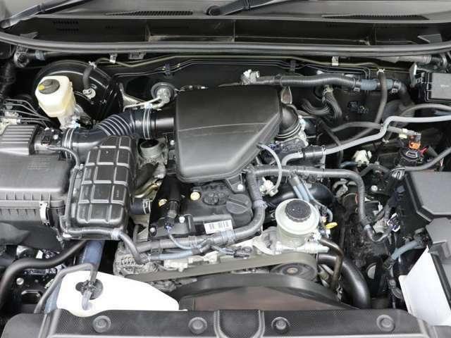 エンジンル-ムも綺麗に洗浄しております。ご納車時にはしっかりメンテナンスを行ってからご納車致します。