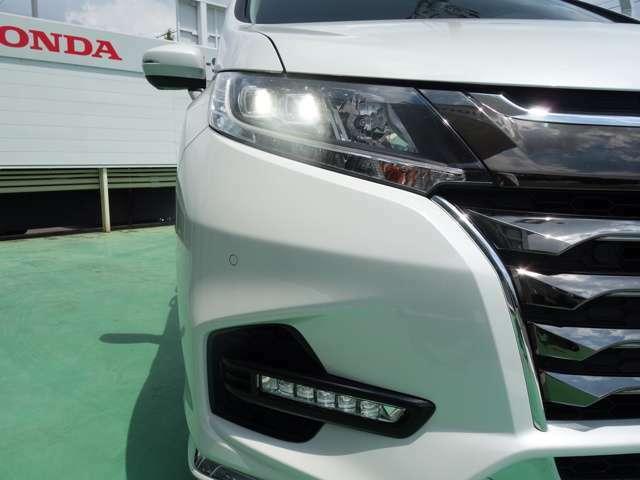 【LEDヘッドライト】LEDヘッドライト装備車です。省電力で、明るく遠くまで照らし、夜道や雨天時などの安心感を高めます。