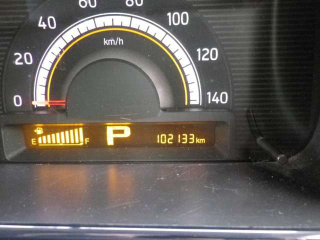 走行距離は10.2万キロ。タイミングチェーンのお車です!