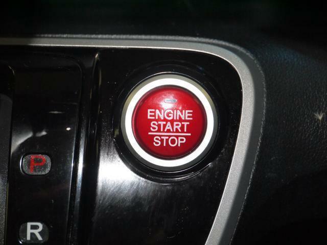 プッシュボタンスタートでエンジン簡単始動!