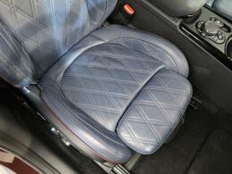 ●前席:OP革シートセットです♪ゆったりとしたドライバースペースで、長時間の運転でも快適にお過ごしいただけます。