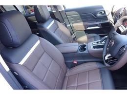 ナッパレザーシート、シートヒーター、革巻きステアリング、運転席マルチランバーサポート付