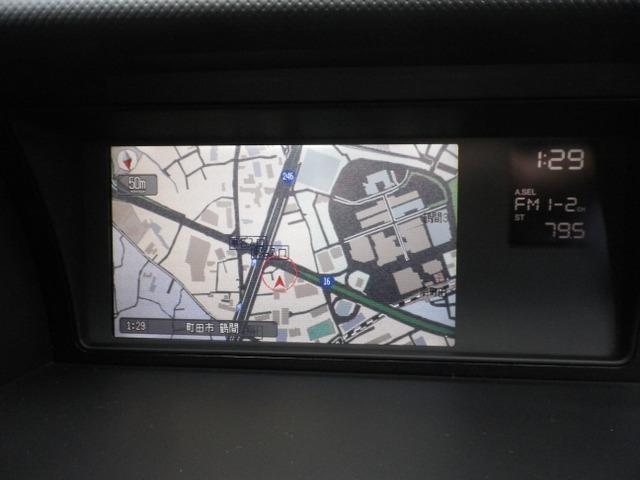 ホンダHDDナビは8インチモニター。