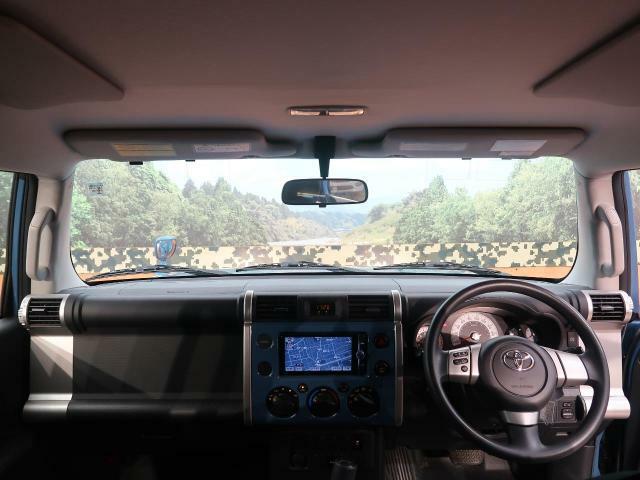 平成25年式トヨタFJクルーザー ベースグレードが入庫致しました♪