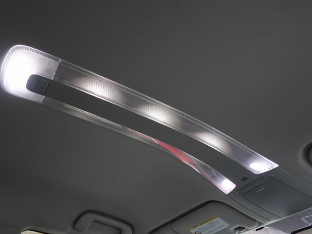 Aプラン画像:インテリアイルミネーションもいい雰囲気に光ります。さすが高級コンパクトカーと呼ばれるだけあります。
